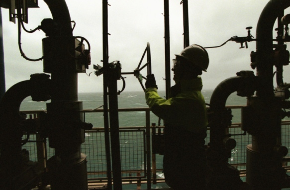 Full conduit gate valves Workers needed in the Oil and Gas industries
